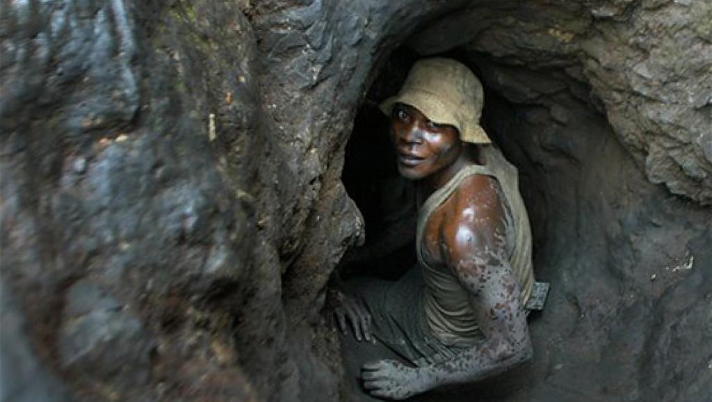 Cobalt : Les fabricants de batterie soutiennent des projets miniers hors du Congo