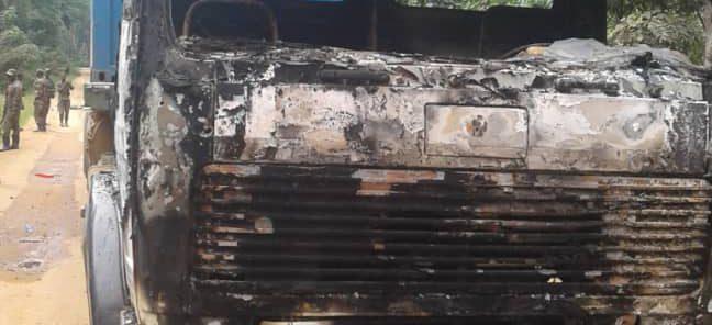 Beni : Cinq morts, plusieurs blessés et des véhicules incendiés dans une embuscade sur la route Beni-Kasindi