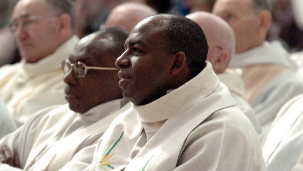 Génocide rwandais: la justice française relaxe définitivement l'abbé Wenceslas