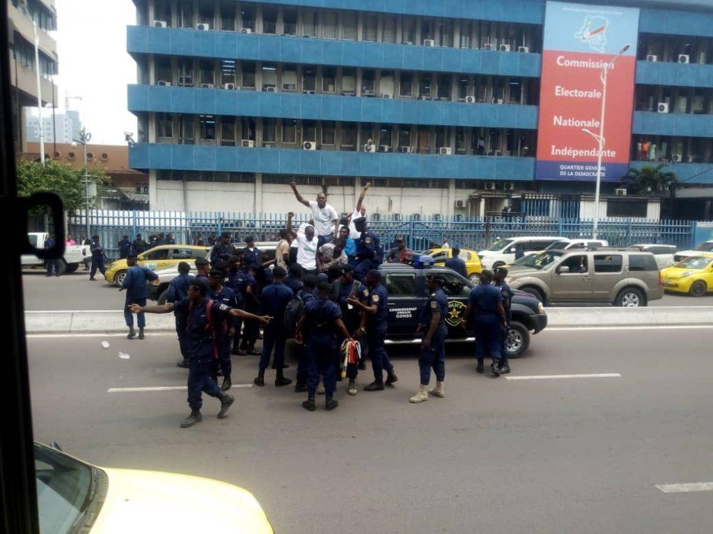 ELECTIONS 2018 EN RDC : Le Mouvement Citoyen de la LUCHA continue sa pression sur la CENI et le régime
