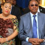 RDC-MÉDIAS : Bruno Tshibala Nzenzhe porte « plainte » contre le chroniqueur Eliezer Ntambwe