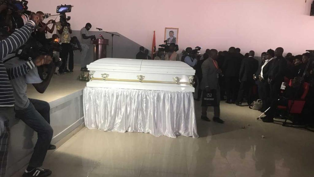 Angola : Obsèques publiques pour le chef de l'Unita, Jonas Savimbi
