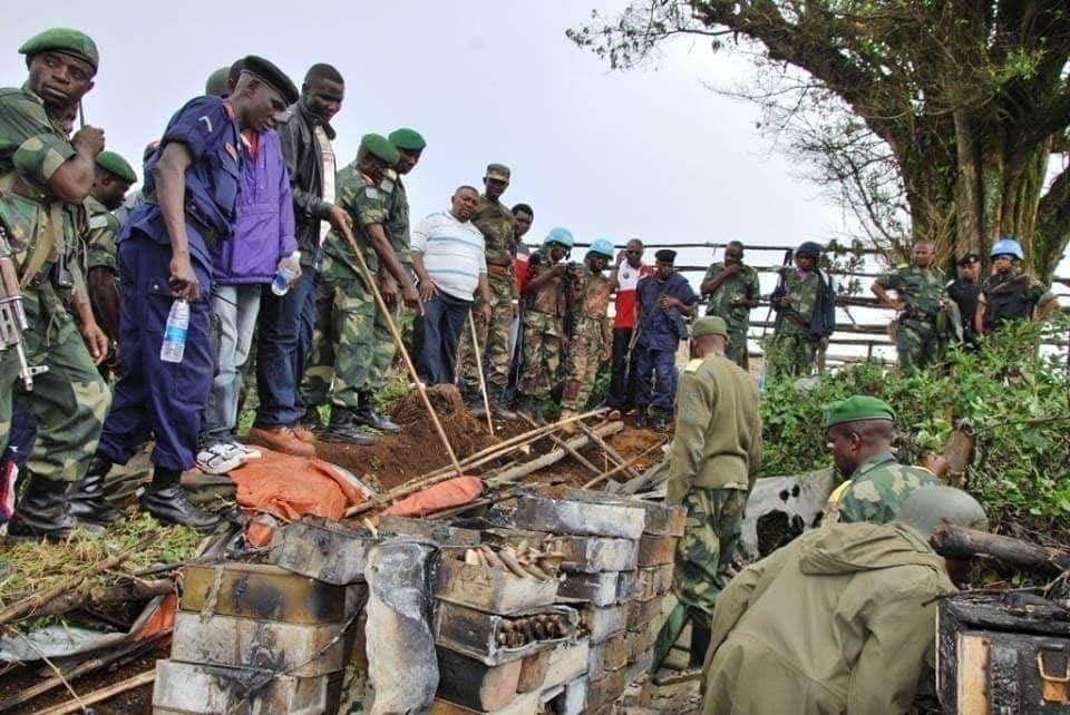 SÉCURITÉ : Offensive des FARDC, découverte d'une cache d'armes enfouie sous une colline